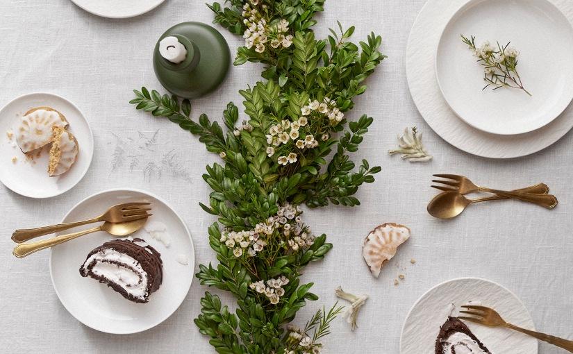 Raakakakku kääretorttu joulupöytään